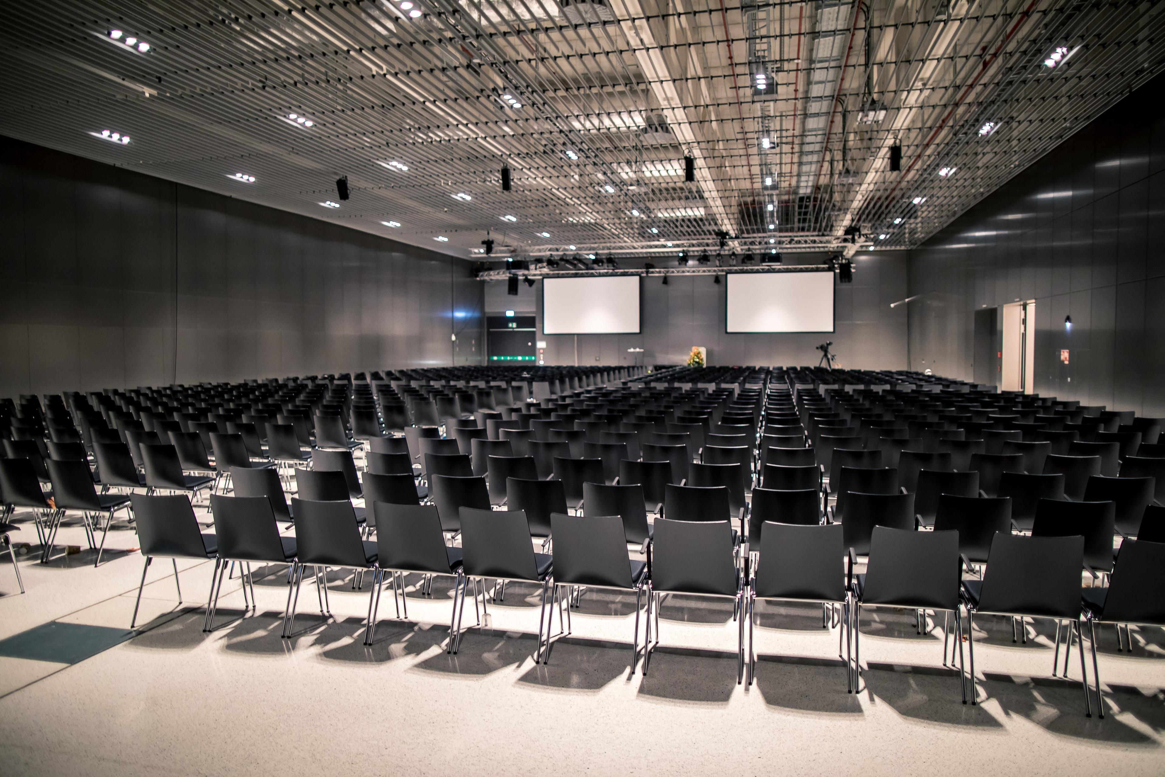 Halle Süd in Reihe, RMCC Wiesbaden